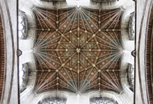 The Crossing Tower ceiling. Fearing a tower collapse, as had happened at Ely, the monks rebuilt the central tower in the late 14th century in the decorated style.